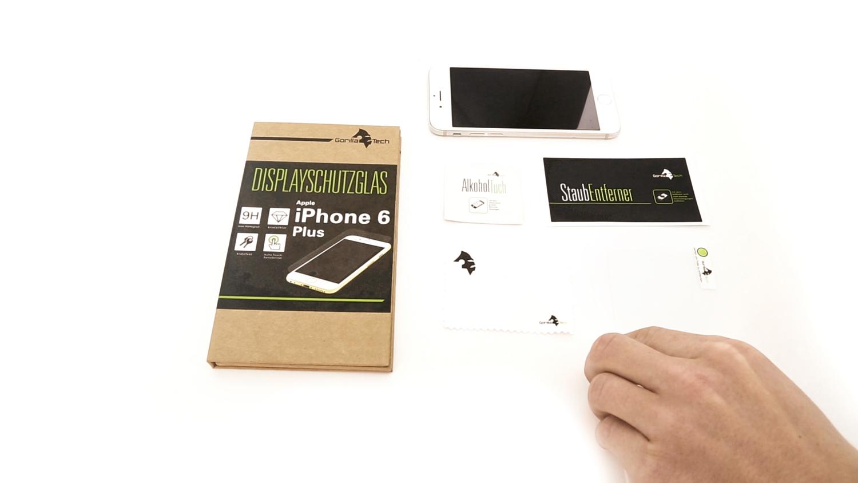 Auf den Bild sieht man den Inhalt der Gorillatech Displayverpackung: -ein Gorillaglas Displayschutz -ein Alkoholtuch -ein Staubtuch -ein Staubentferner